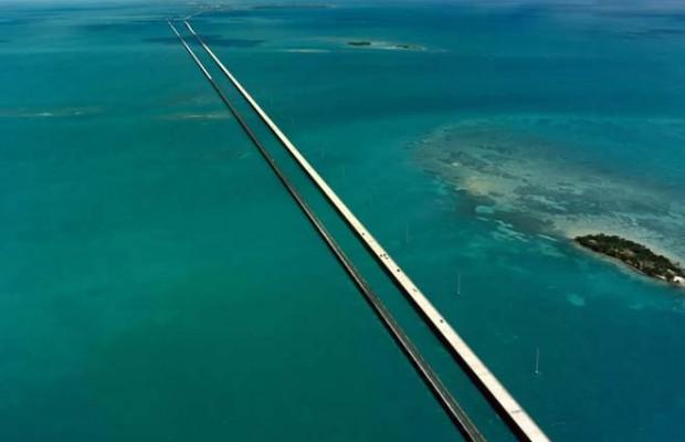 En väg till Key West på väg från Miami