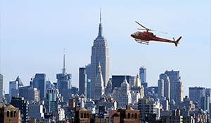 Helikopter över Manhattan i New York