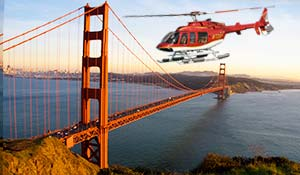 Helikopter över Golden Gate bron i San Francisco